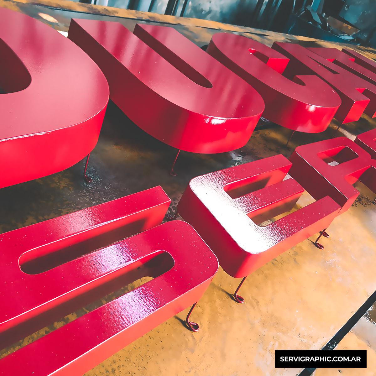Ducati Córdoba - Letras corpóreas premium en chapa.