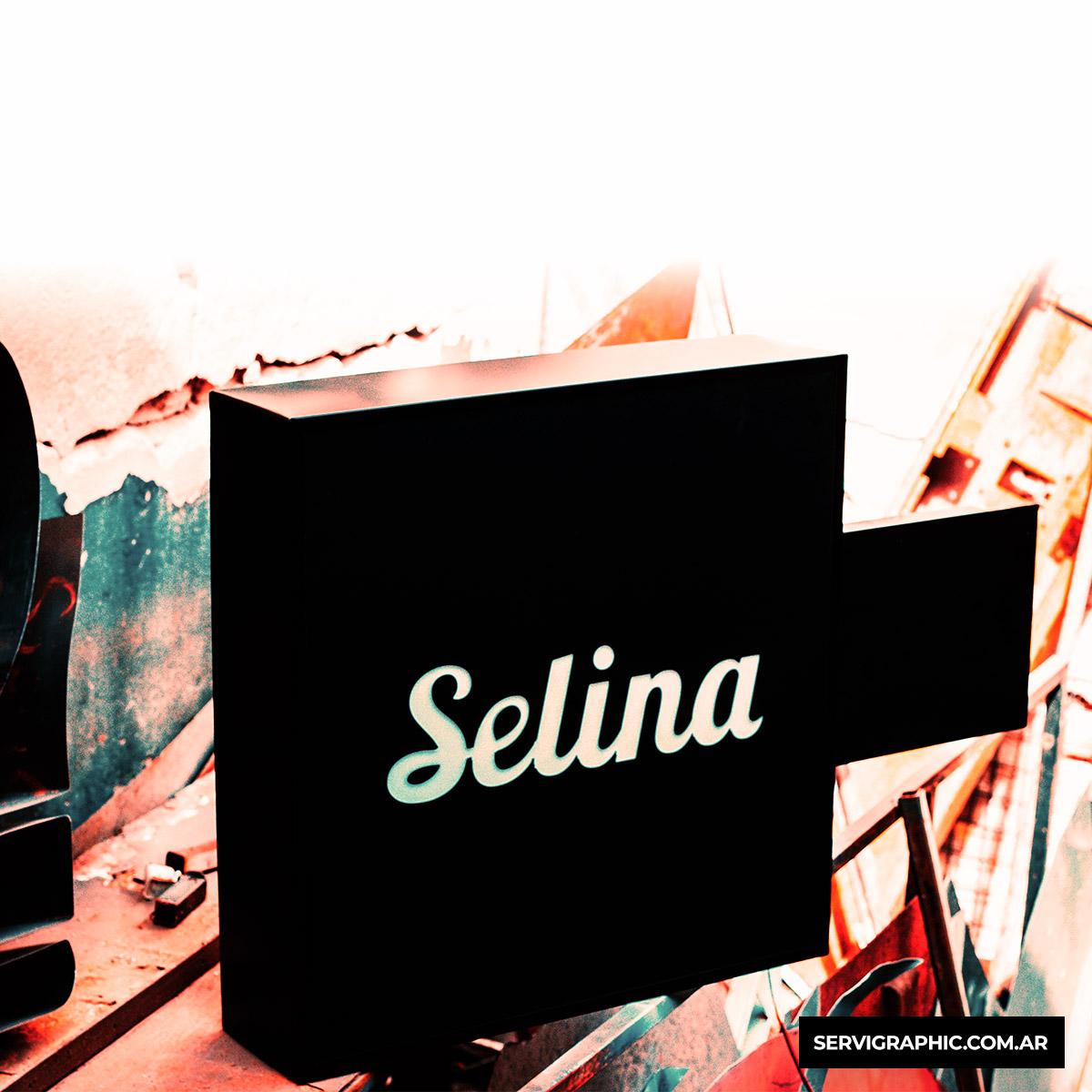 Selina Nueva Cordoba- Cartel saliente luminoso en chapa premium